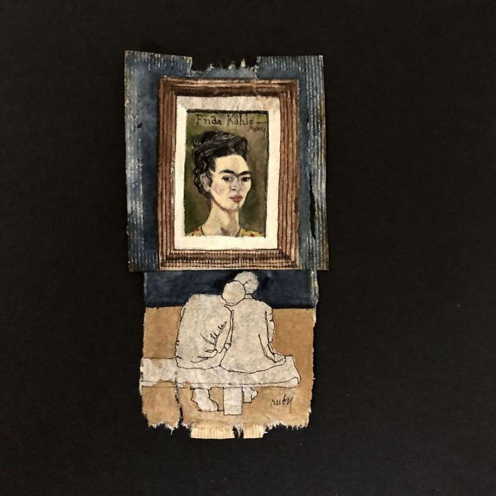 Museum-Goers-Miniature-Paintings-on-Used-Tea-Bags-5c55df14d46e7-jpeg__880