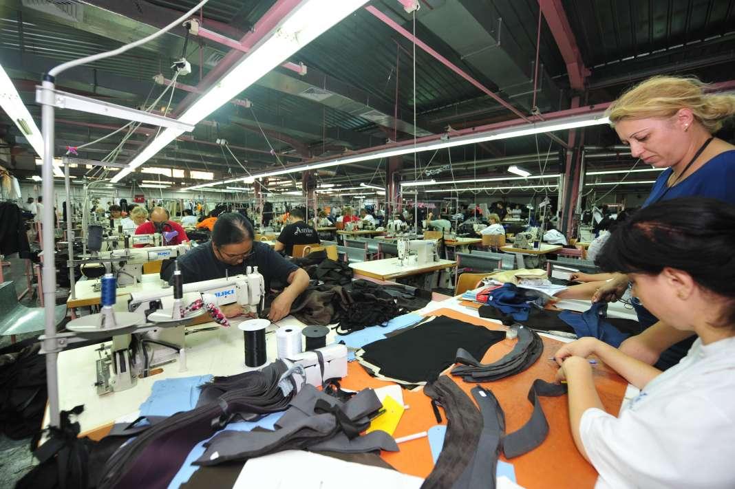 kozharskata-i-tekstilnata-industrija-polesno-ke-mozhat-da-apliciraat-za-merkite-od-planot-za-ekonomski-rast