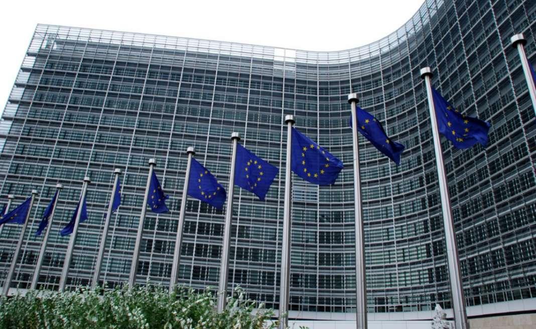 Европската комисија препорачува безусловен старт на преговорите за Македонија