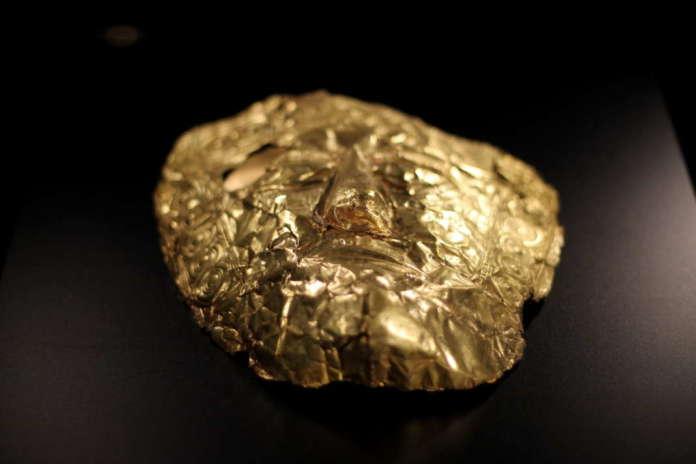 """Изложбата """"100 години Требениште"""" ја посетиле над 12 илјади посетители, кои се најинтересните предмети, покрај златните маски?"""